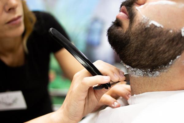 Servicios de peluquería para caballeros